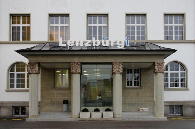 Lenzburg_House
